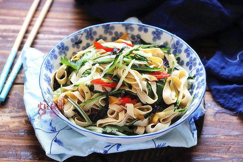 这几道美味黄瓜小菜,做法简单,鲜爽开胃,夏季甩肉要多吃