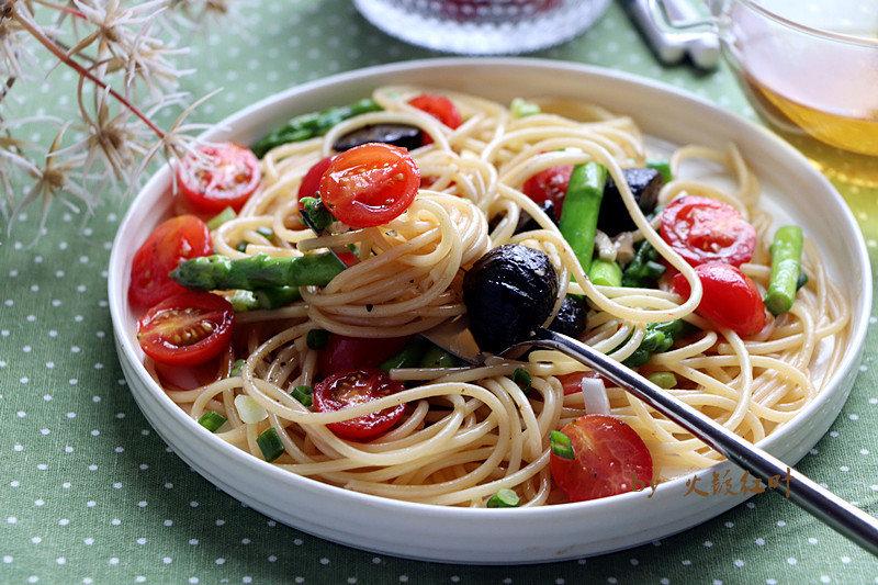 黑蒜番茄拌意大利面