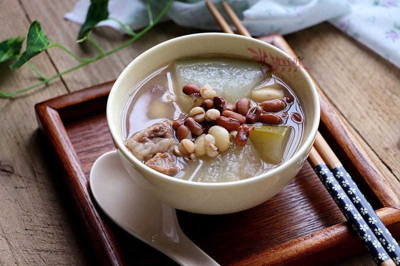 这道夏季例牌汤,做法简单,鲜味可口,祛湿润燥,天气再热也不怕