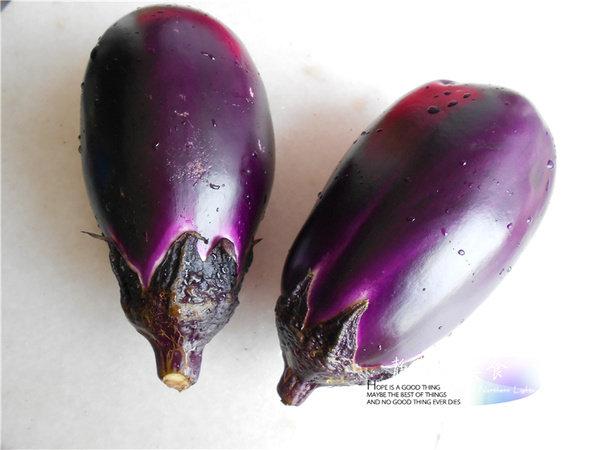 【美食每刻】简单快手菜:蒜蓉蒸茄子