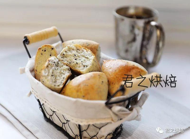 不用泡打粉的黑芝麻司康,像松软的小面包!