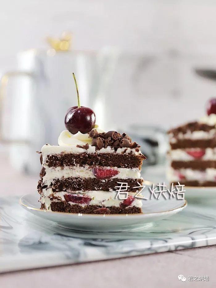 又经典,又美味的蛋糕,还对新手十分友好!   黑森林蛋糕