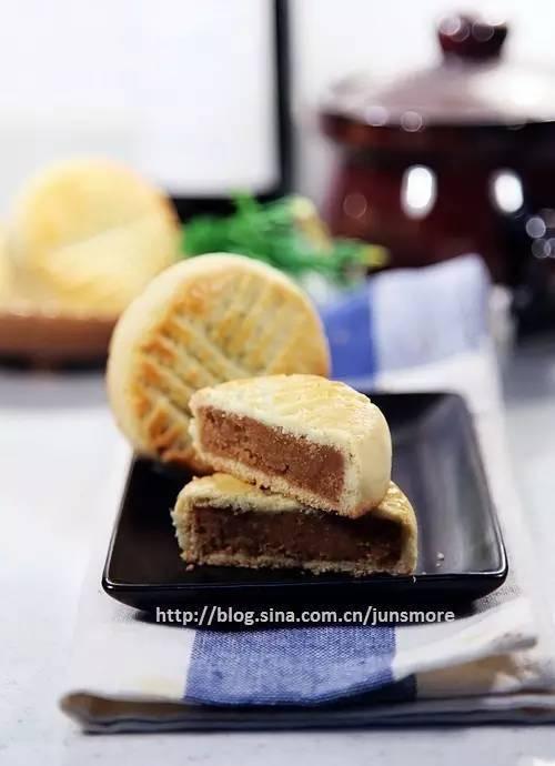 想做简单又好吃的月饼?试试奶油皮月饼吧!