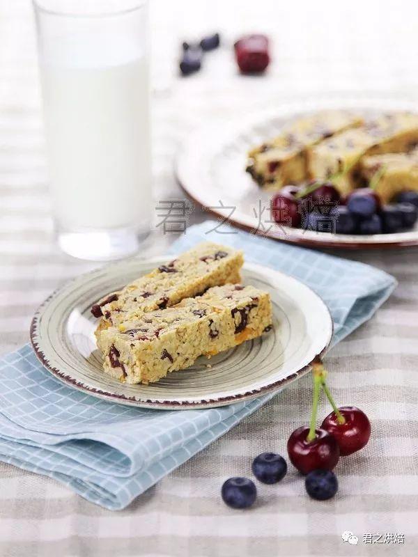 来一份充满活力的早餐吧! | 燕麦水果能量棒