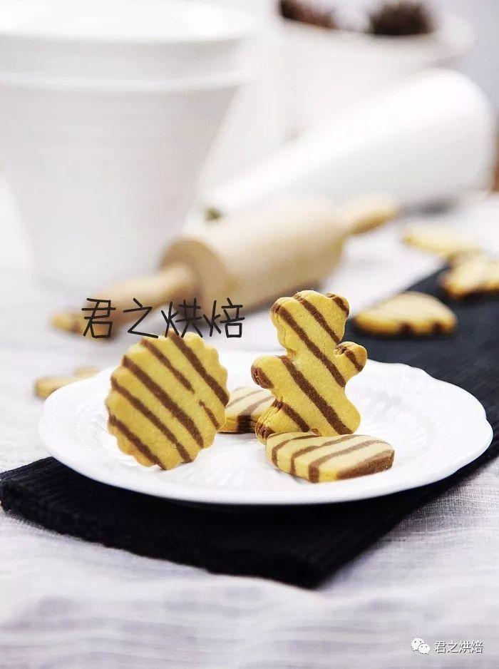 双色条纹花生饼干
