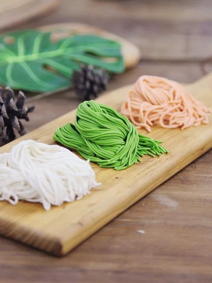 特别特别详细的手工面条制作方法,新鲜营养又美味!   君焙厨师机食谱