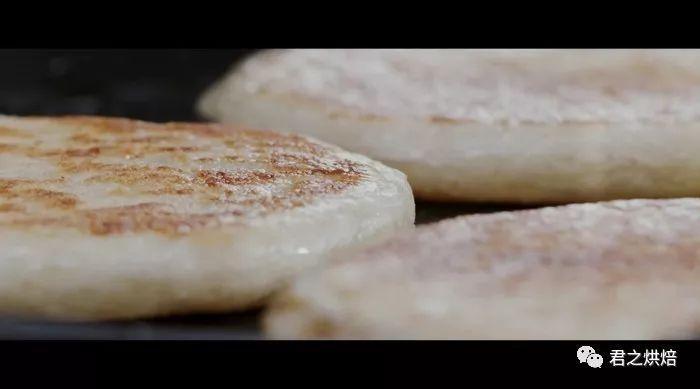 视频 | 烧饼夹烤肉,这种诱惑我无法拒绝!