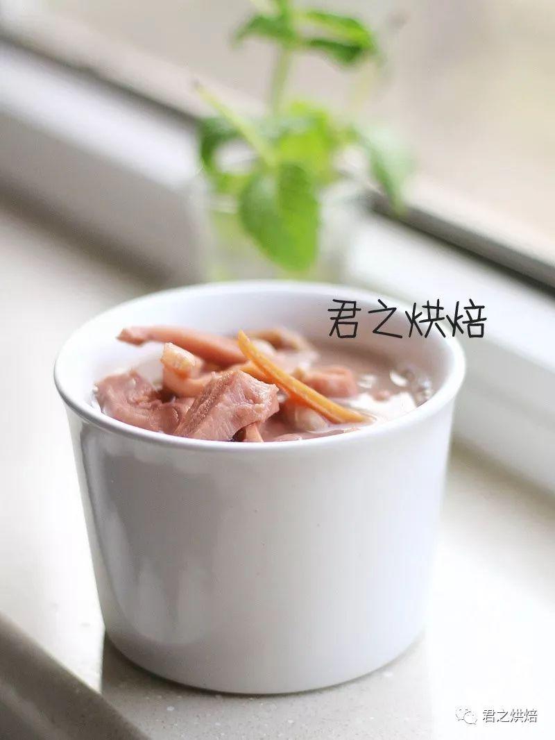 这么多年来,最爱的一道汤还是它 | 墨鱼猪肚汤