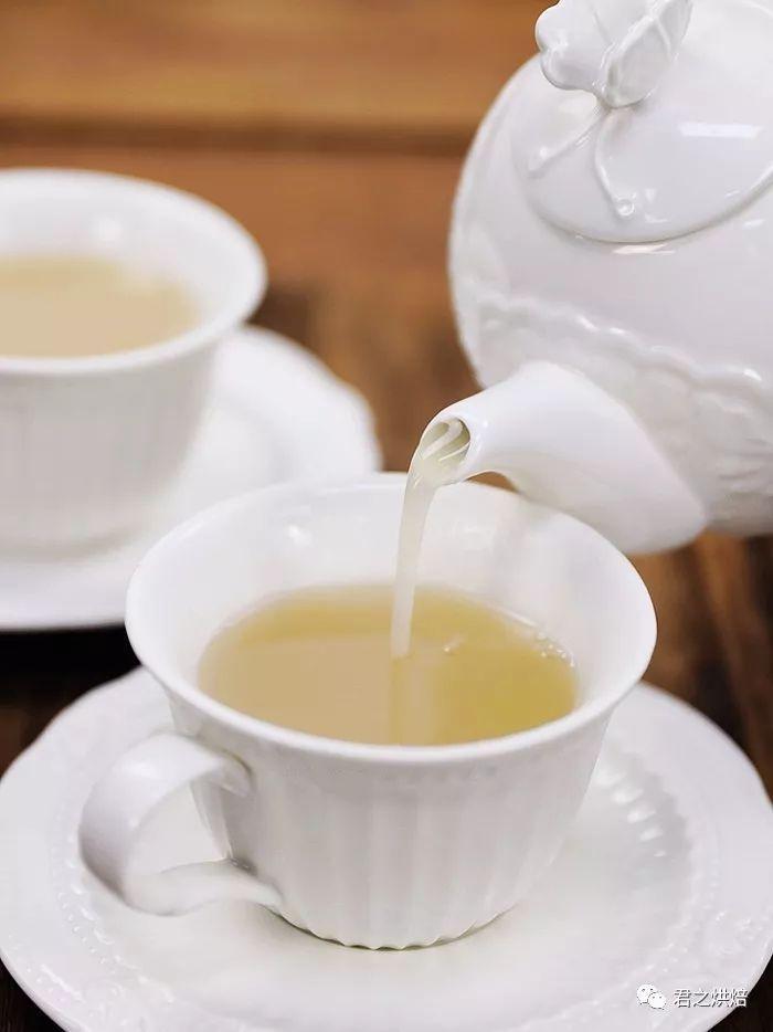 银耳雪梨饮,一道极简单又温暖的饮品   西屋特约食谱