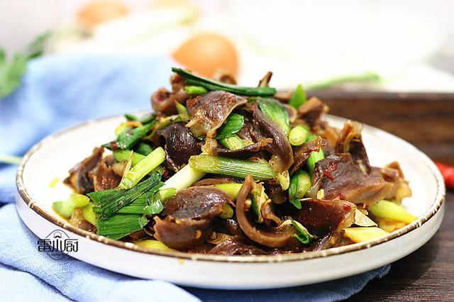 大热天,最受欢迎的菜就是它了,不油不腻,下酒又下饭,越吃越香