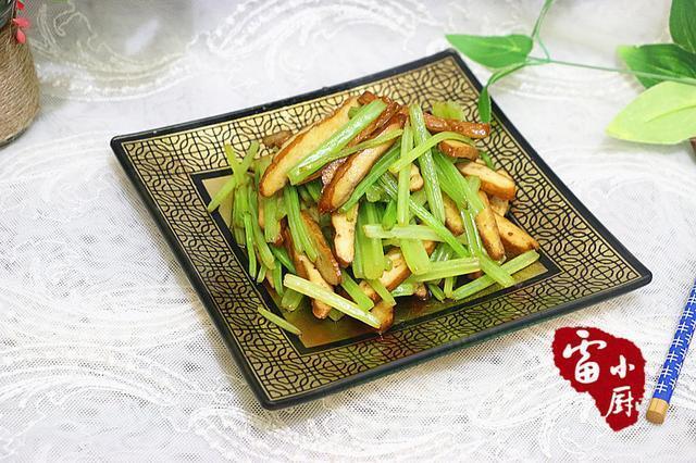 它是蔬菜中天然的降压药,高血压的克星,寒冷的冬天,老人要多吃