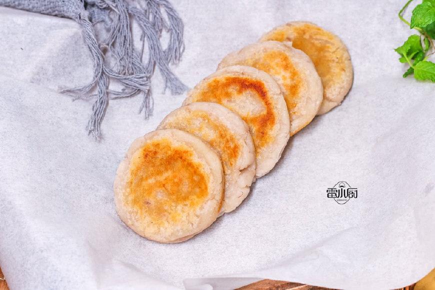 芋艿新吃法,做成早餐又香又糯又软,还在锅边就吃了3个!