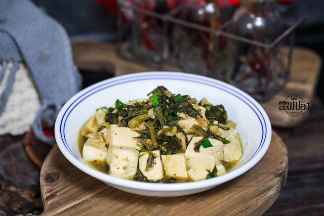 这个菜,端上桌比大鱼大肉还抢手,2块钱煮一锅,开胃解油腻!