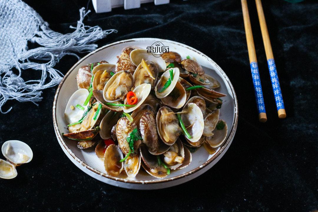 这种海鲜6块钱一斤,家家户户吃得起,教你一种最干净的吃法!