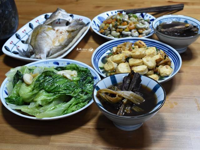 我做了4菜1汤,虽然家常便饭,但营养足味道好,很对胃口