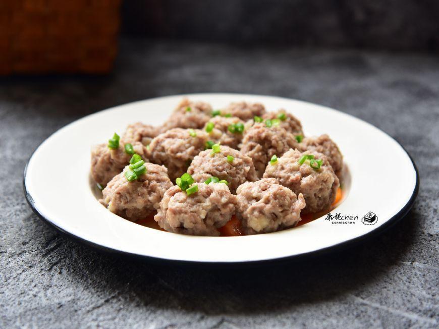 猪肉和它做成肉丸,鲜美有弹性,蒸一蒸营养不上火,多吃滋补强身