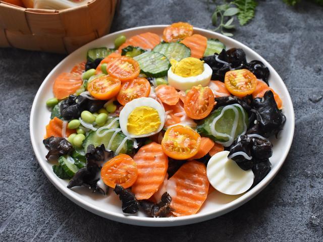 这样的减脂餐不用蒸不用炒,5分钟做好一大盘,还能给肠道大清洁