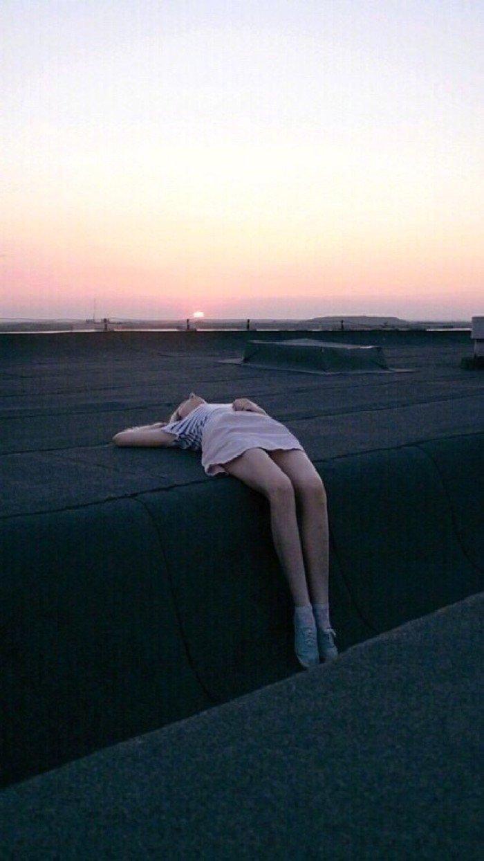 晚安短句短语0727:我与春风皆过客,你携秋水揽星河