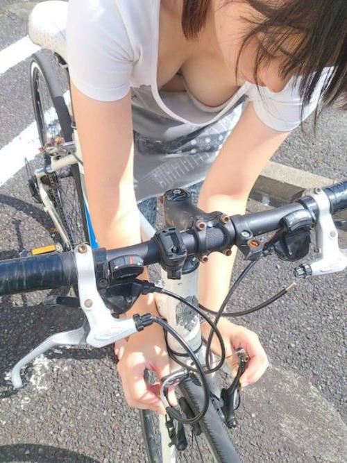那个,妹子你通常在哪条线骑车!夏天常见景象