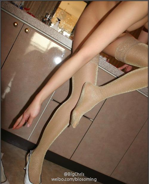 你们见过这样的丝袜美女没