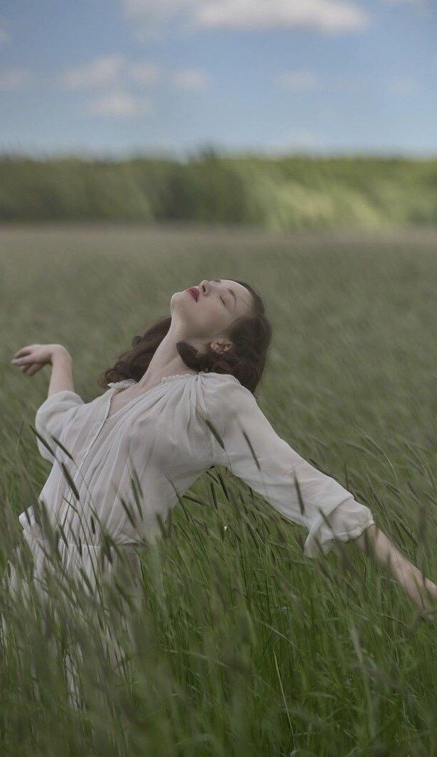 晚安心语心情191127:提起你还是心酸,却不再像从前那么喜欢