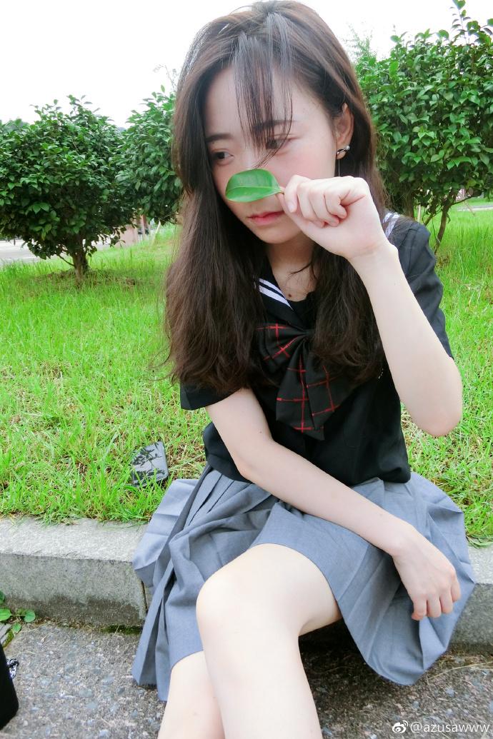 【azusawww】美腿gif 爱秀丝袜的性感萝莉 你喜欢吗?