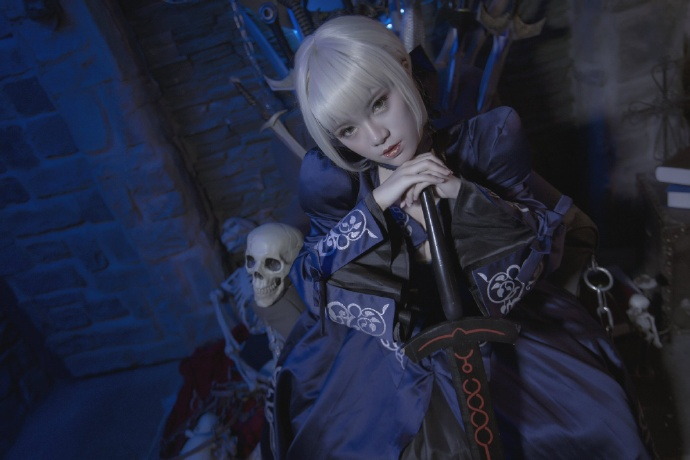 【cos正片】Fate/GrandOrder 黑saber#礼服Ver.欣赏 cn:寒殇 cosplay-第8张