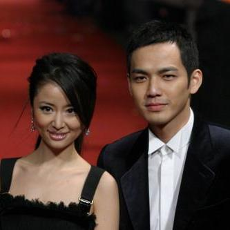 挚爱阳光帅气的钟先生和高雅俏丽的林小姐!