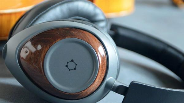 世界首款用石墨烯打造的耳机的照片 - 1