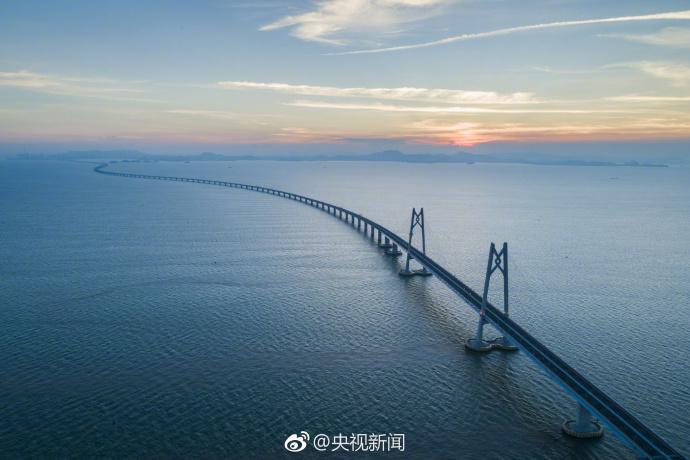 太空看港珠澳大桥:从无到有的震撼的照片 - 1