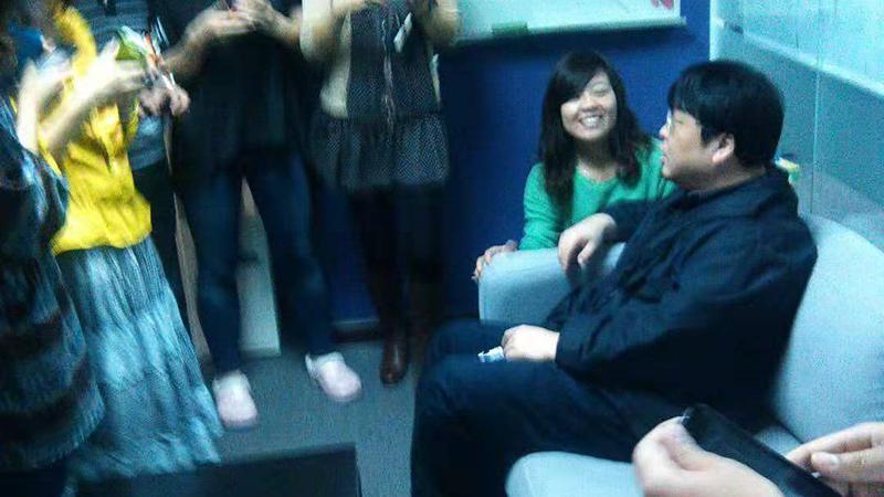 老照片:罗永浩砸完冰箱后拜访MIUI的照片 - 1