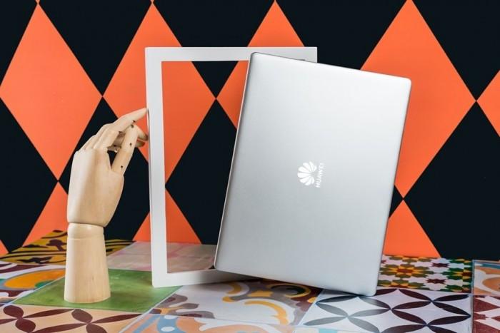 华为Matebook 13酷睿i3版首发 售价3999元