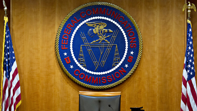 发布5G频谱警告:美国FCC和商务部掐起来了的照片