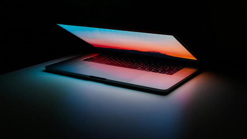 下一代MacBook Pro、Air重回剪刀式键盘 蝶式键盘被抛弃的照片 - 1
