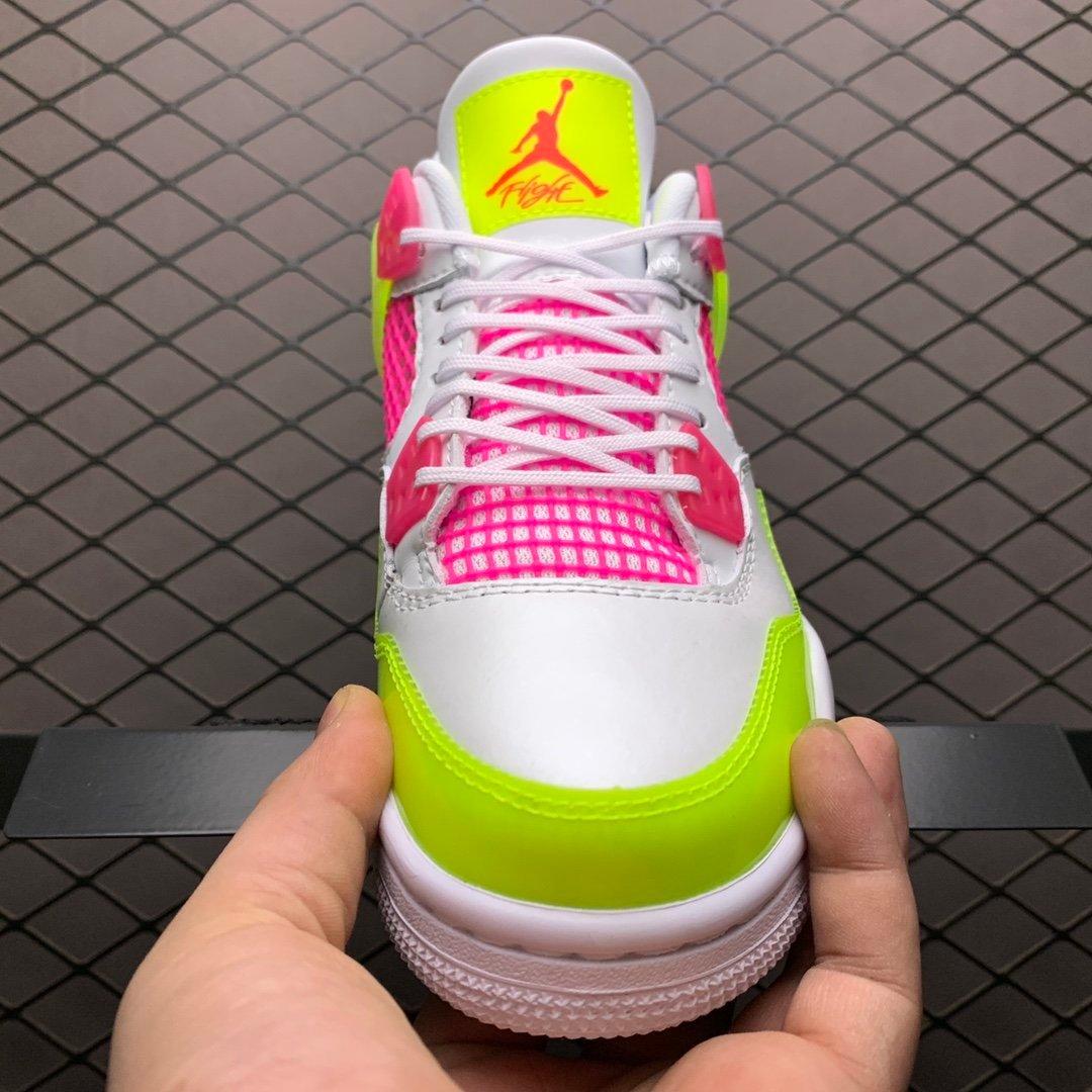 耐克aj板鞋AJ4缤纷糖果CV7808-100果冻质感的荧光黄