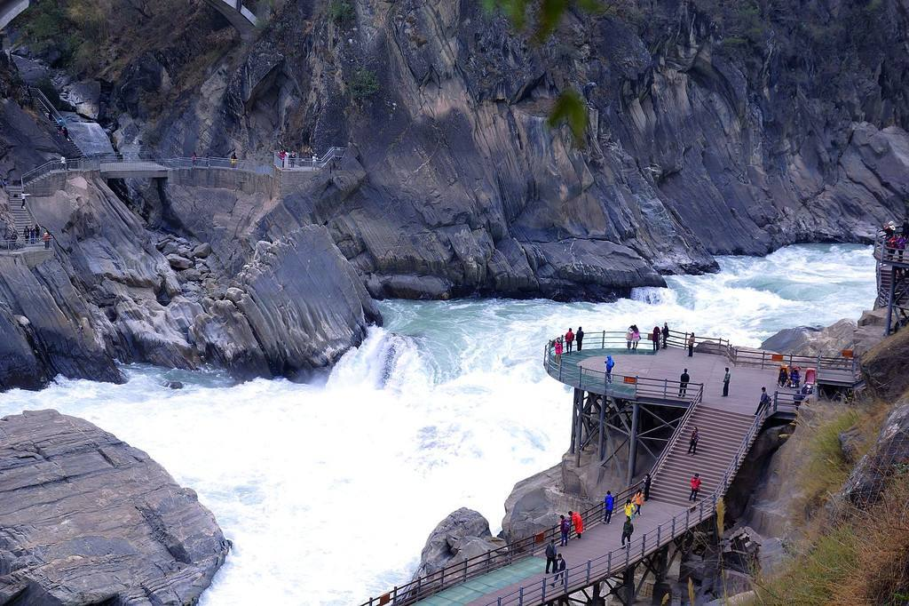 丽江虎跳峡景区旅游-丽江要去虎跳峡呆一天以度过足够的时间吗?