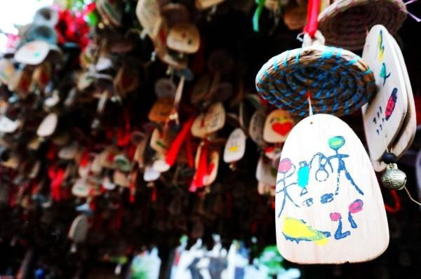 丽江是一个好玩的地方吗?去丽江旅游,每个季节穿什么比较合适?