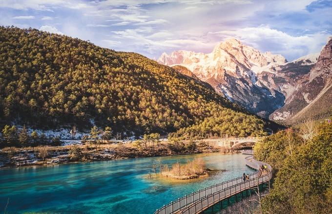 玉龙雪山和梅里雪山应该去哪个?