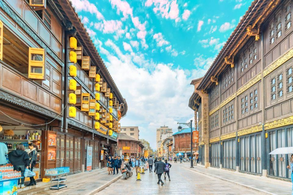 丽江哪些旅游景区好玩-在激烈的纠缠中,丽江和西双版纳哪个地方更有趣?