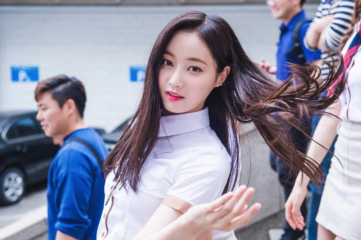 """这8位拥有""""陶瓷皮肤""""的韩国女偶像,让粉丝超羡慕插图7"""