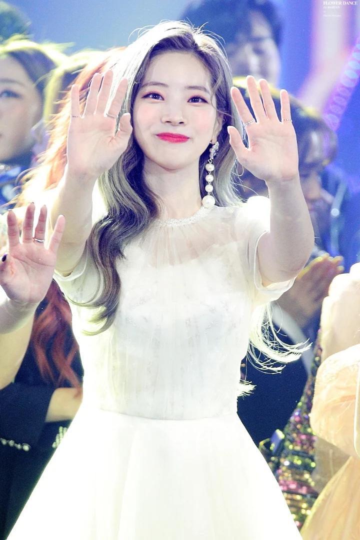 """这8位拥有""""陶瓷皮肤""""的韩国女偶像,让粉丝超羡慕插图11"""