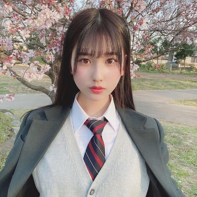 18岁混血制服美少女森嶋あんり已是写真偶像