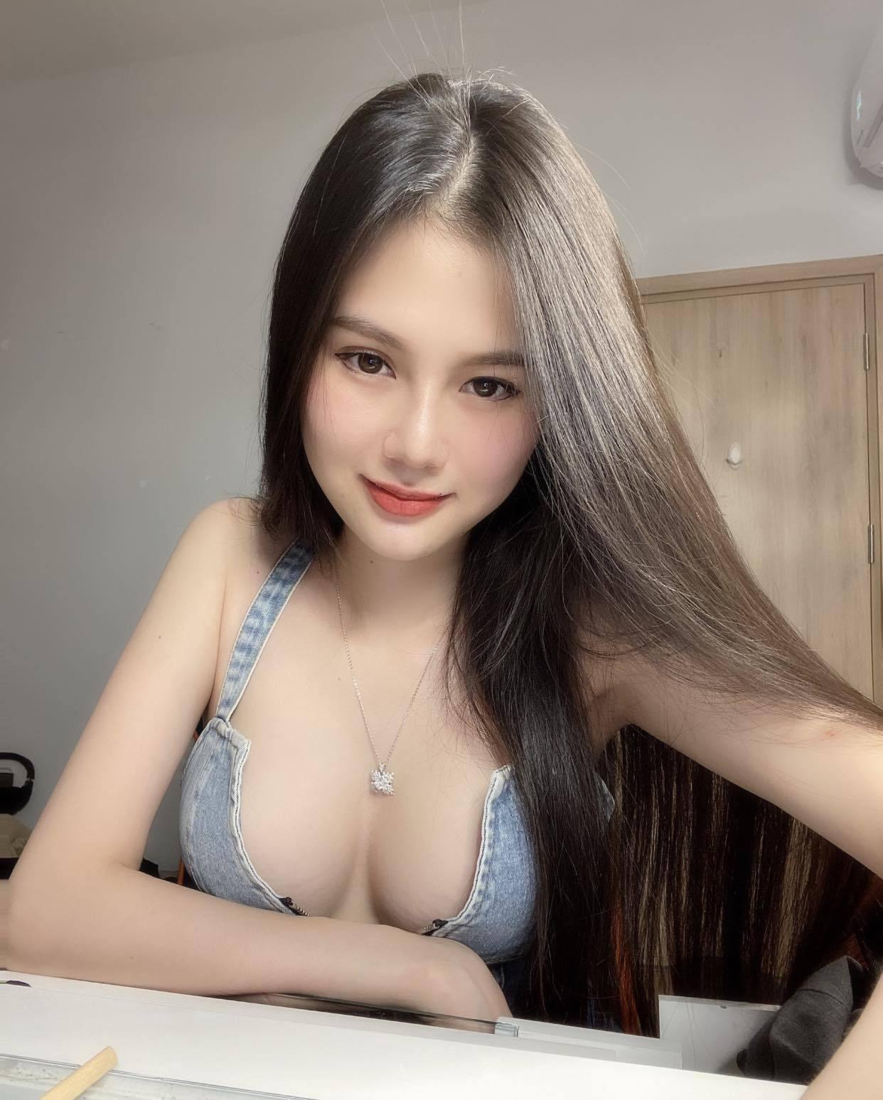 国色天香!来自越南实况主《ArBi》嫩肤美体超有料让你恋上她的美!-新图包