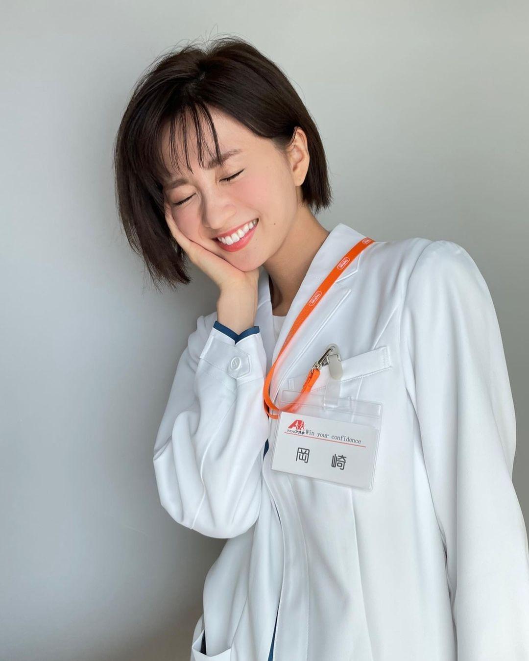 日系时尚杂志模特冈崎纱绘清甜笑容亲和力十足完全就是女友理想型 网络美女 第21张