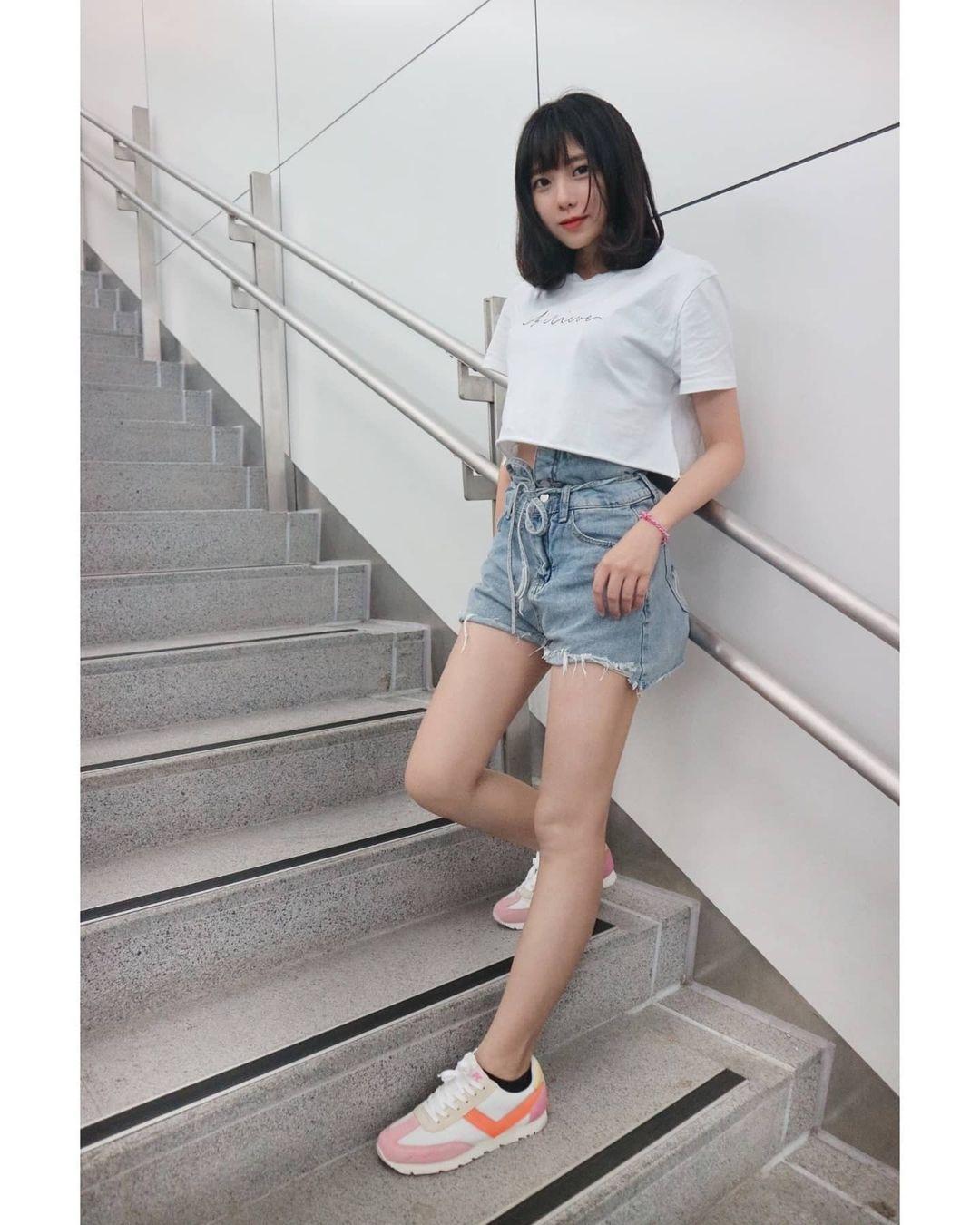 清大电机女神「阿倪」甜美神颜值让人恋爱,白皙美腿超迷人!-新图包