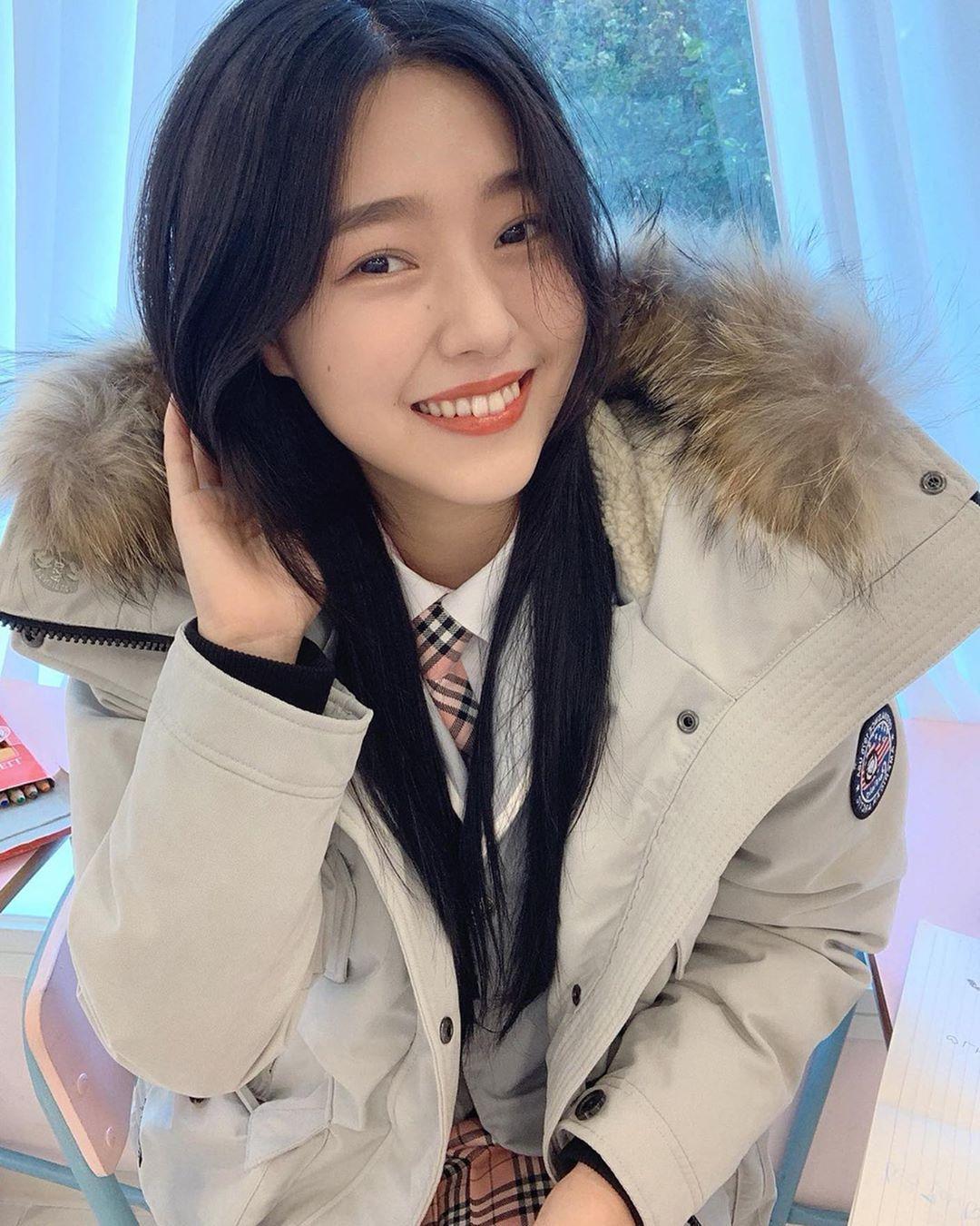 天菜瑜伽老师「정현아」优美身段呈现完美S型开朗自信「甜美笑容」散发满满阳光魅力-新图包