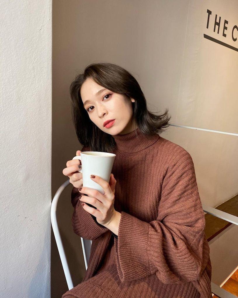 高冷短发樱花妹「kie」,日本潮模模特还有马甲线-新图包