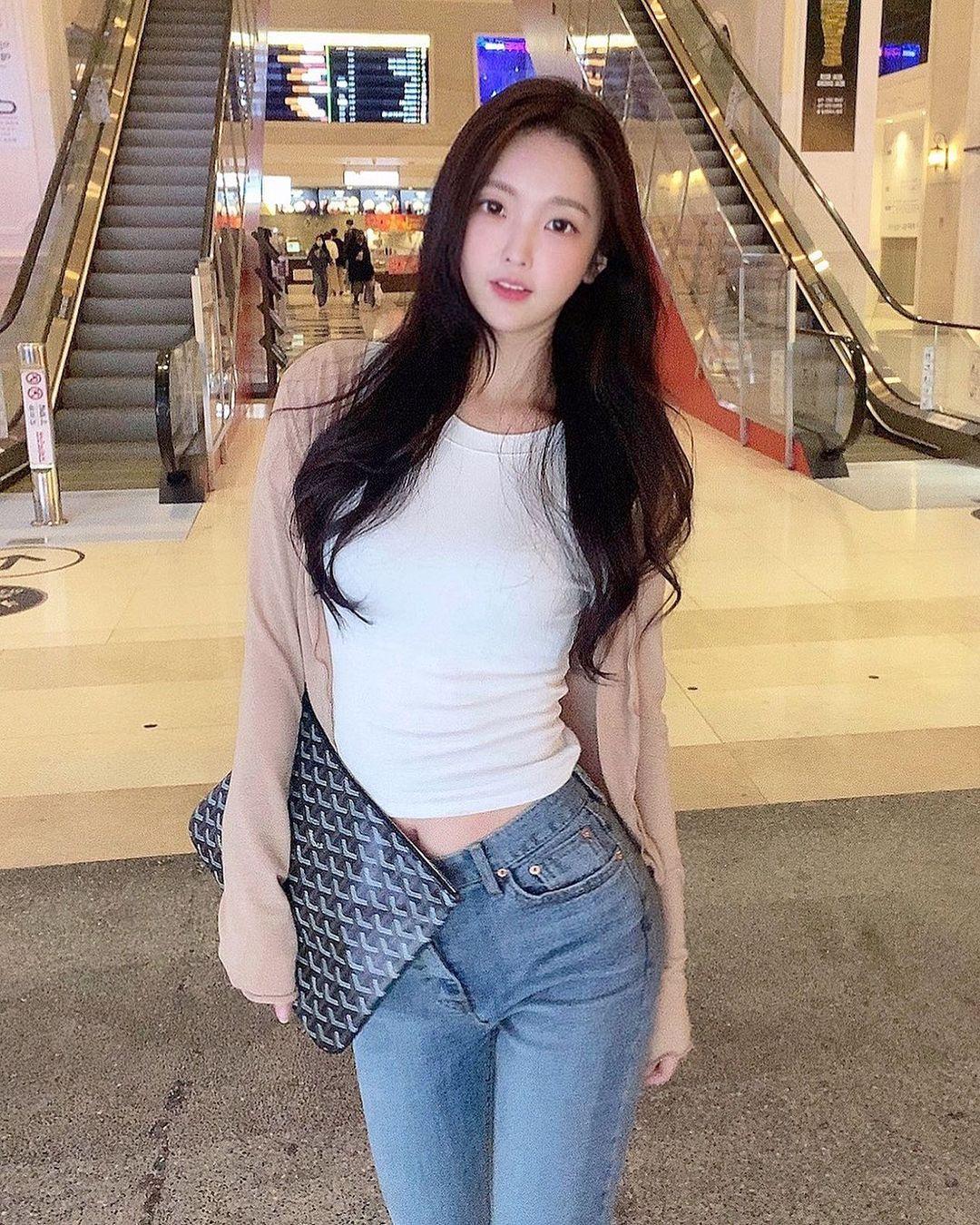 韩国网红美女「ryeong.aa」,靠脸吃饭迷人气息让人瞬间恋爱!