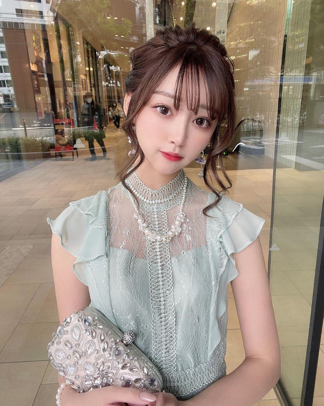 正翻了.名古屋「美女大学生」甜美又有气质,纤细小蛮腰超迷人. 日本美女 邻家女孩 美少女 养眼图片 第9张