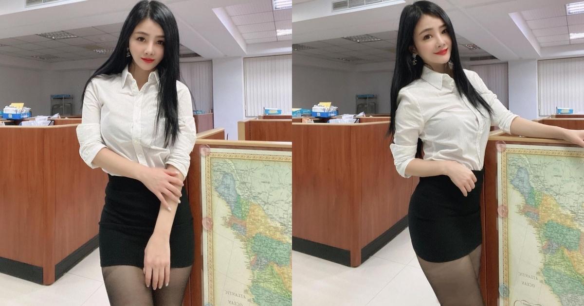 这种秘书我可以.「长发美女OL」白衬衫黑窄裙全身包紧,藏不住前凸后翘S曲线. 养眼图片 第1张